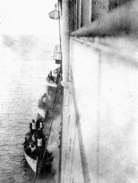 TITANIC LIFEBOATS RESCUE 1912