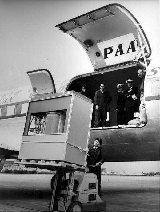 FIVE MEGABYTE HARD DISK 1956
